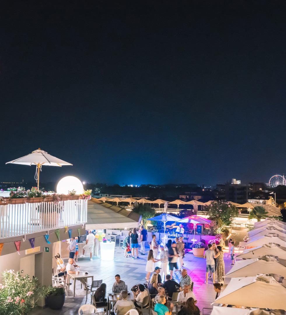 Terrazza Principe Palace festa in piscina a Jesolo Lido Piazza Mazzini